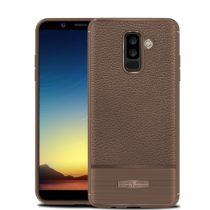 Samsung Galaxy A6+ (2018) Szilikon Tok Prémium Szálcsiszolt-Bőrmintázattal Barna